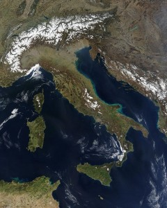 640px-Satellite_image_of_Italy_in_March_2003