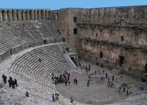 800px-Aspendos_theatre_from_gallery