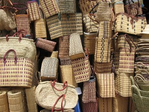 800px-Baskets_for_sale_(2902069972)