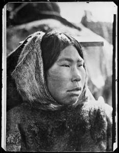 Kabloka,_Netsilik-inuit_(7602228786)