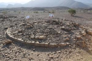 Al-Ayn, rilevamenti superficiali presso l'antica necropoli di tombe ad alveare. Foto di Łukasz Rutkowski