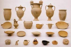 Insieme di reperti del terzo secolo a. C. Credit: Source/Riccardi 2003