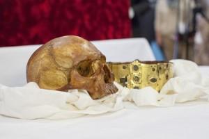 Teschio e corona di Erik IX il Santo. Credit: Mikael Wallerstedt