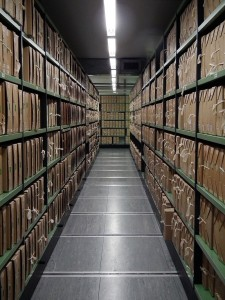 800px-A_corridor_of_files_at_The_National_Archives