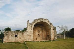 La chiesa coloniale da Dzibilchaltún