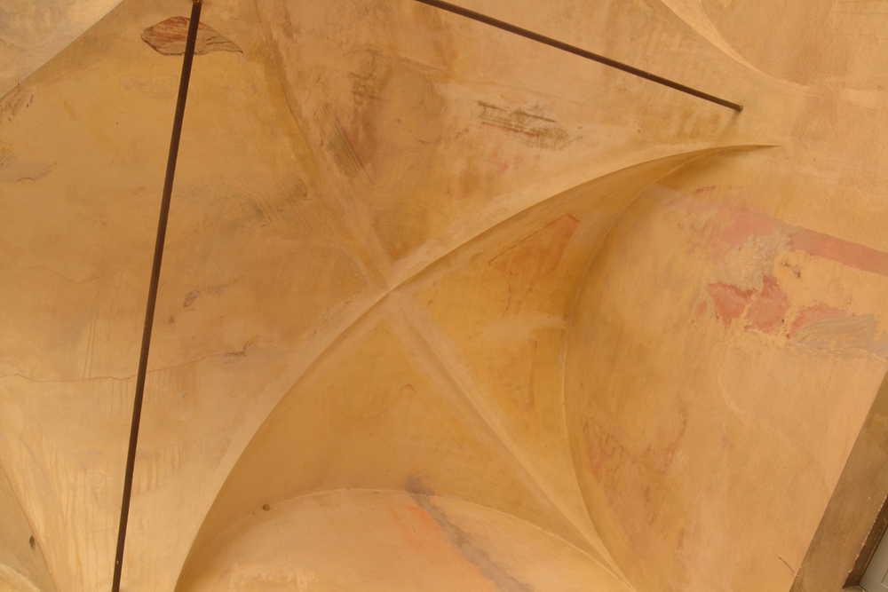 Il Chiostro prima del restauro ©CertosadiCalci-MiBACT