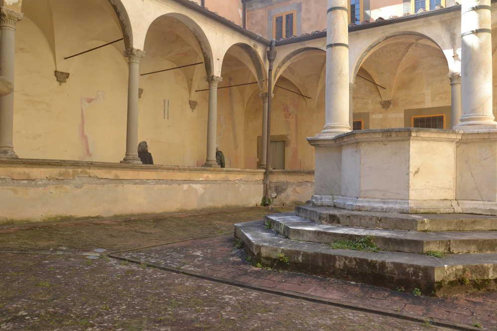 Il Chiostro prima del restauro ©CertosadiCalci-MiBACT-MiBACT.