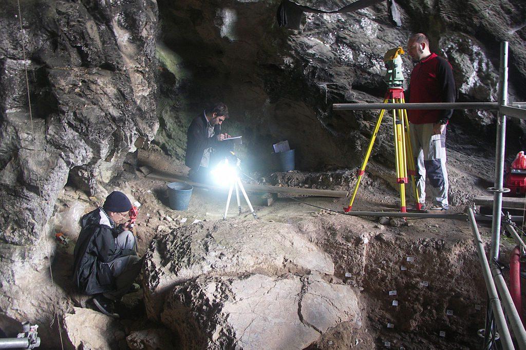 Grotta di El Mirón, Signora Rossa Red Lady Cantabria Paleolitico Superiore Magdaleniano