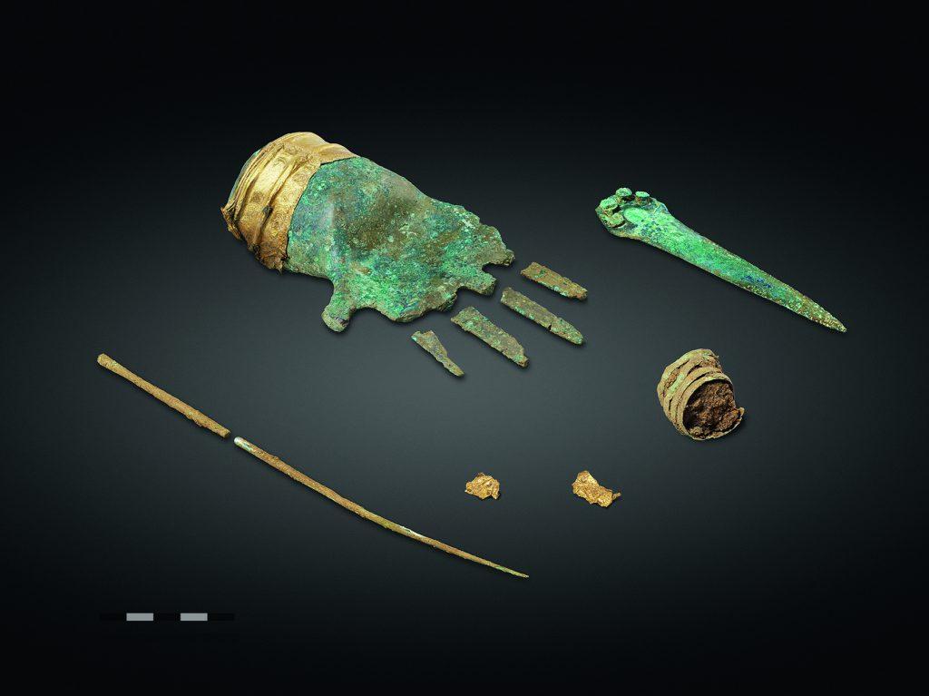 Svizzera, la più antica mano in metallo trovata in Europa_1