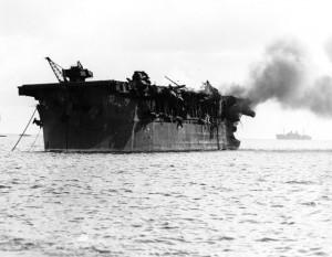 640px-USS_Independence_(CVL-22)_burning