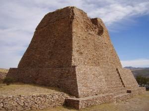 800px-Votive_Pyramid_La_Quemada