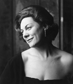 Renata-Tebaldi-1960.jpg