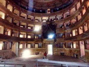 30-07-15 sopralluogo teatro Piccinni 2