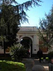800px-Ercolano_ingresso_degli_Scavi