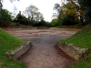 Entrance_to_the_Amphitheatre_at_Calleva_Silchester_-_geograph.org.uk_-_79935
