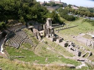 800px-Volterra-TheatreRomain