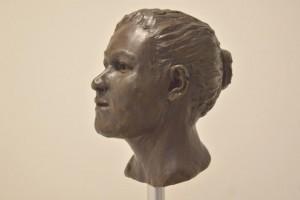 Ricostruzione della donna da Ballynahatty, opera di Elizabeth Black. Credit: Barrie Hartwell.