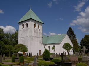 800px-Munka-Ljungby_kyrka_ext08