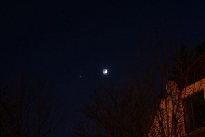 800px-Conjunction_of_Jupiter_and_Moon
