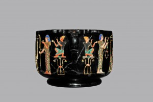 Skyphos di ossidiana da Stabiae con scene di culto egiziano