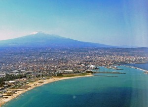 800px-Catania-Etna-Sicilia-Italy-Castielli_CC0_HQ1