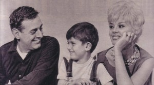 Dario_Fo_and_Franca_Rame_with_their_son_Jacopo