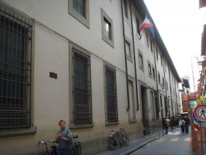 800px-Galleria_dell'accademia,_firenze