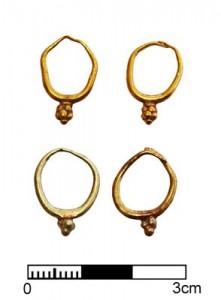 Orecchini in oro, 1400-1300 a. C.