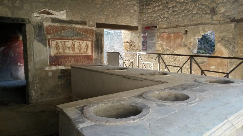 Thermopolio di Vetutio Placido a Pompei. Foto: Alessandra Randazzo