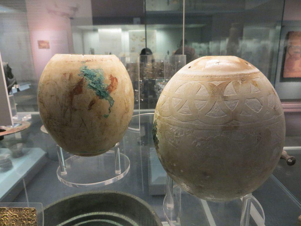 uova di struzzo Vulci British Museum