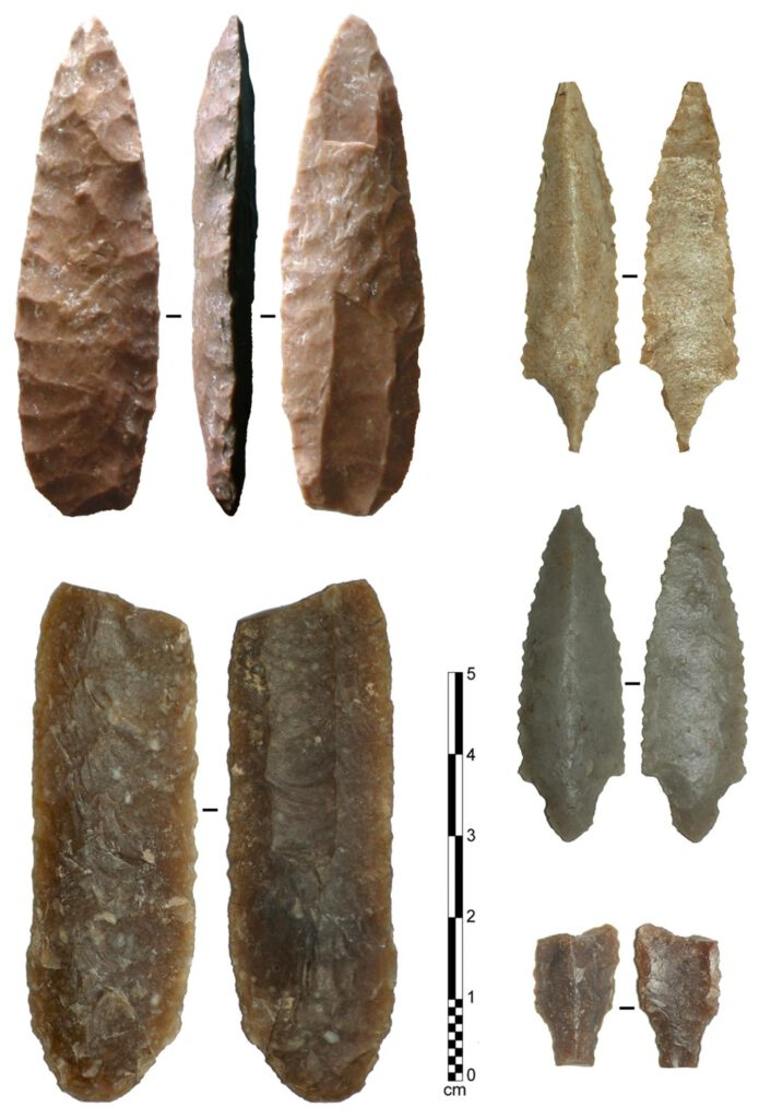fluted projectile points Arabia America Manayzah Ad-Dahariz fluting