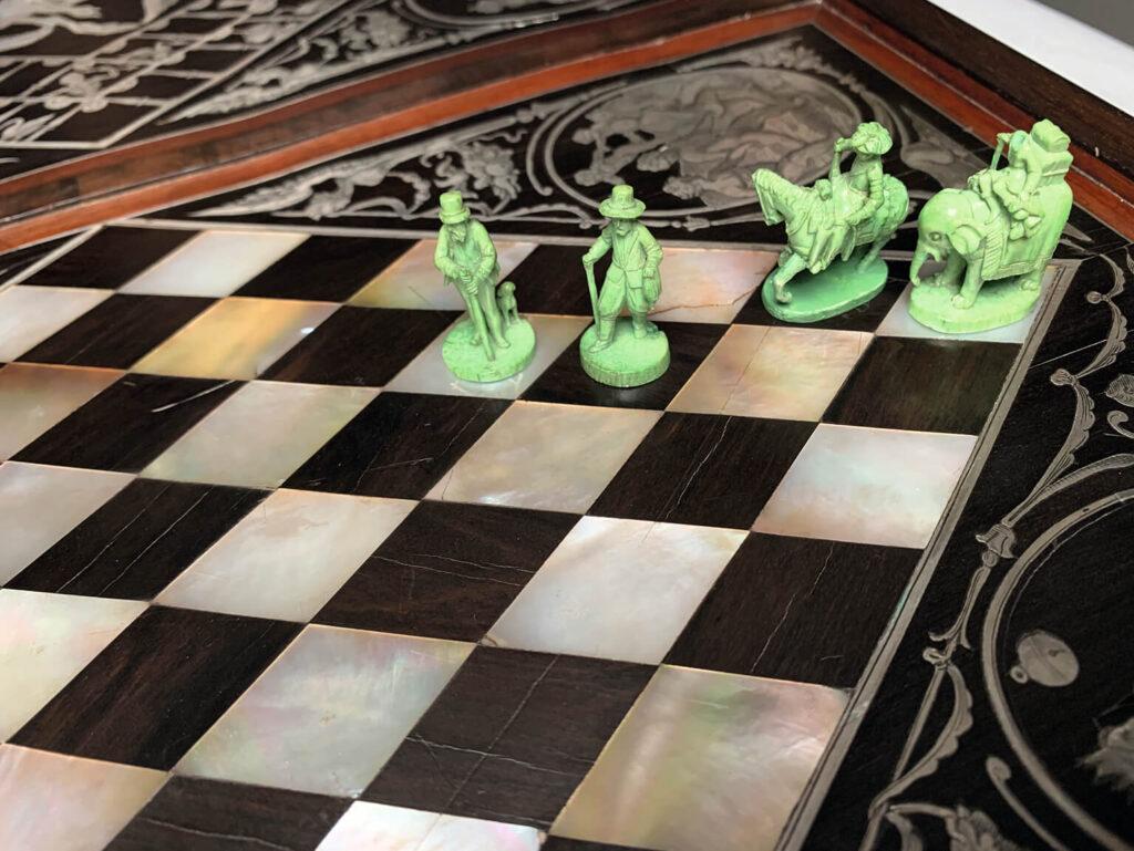 Augsburg Art Cabinet games
