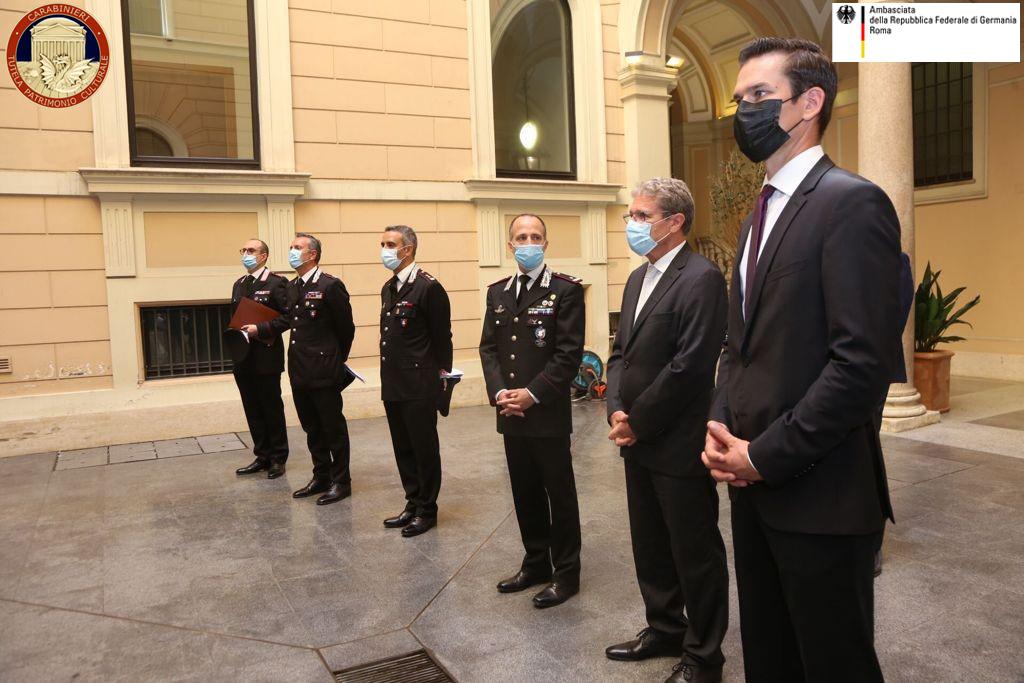 Carabinieri Germania cristallo